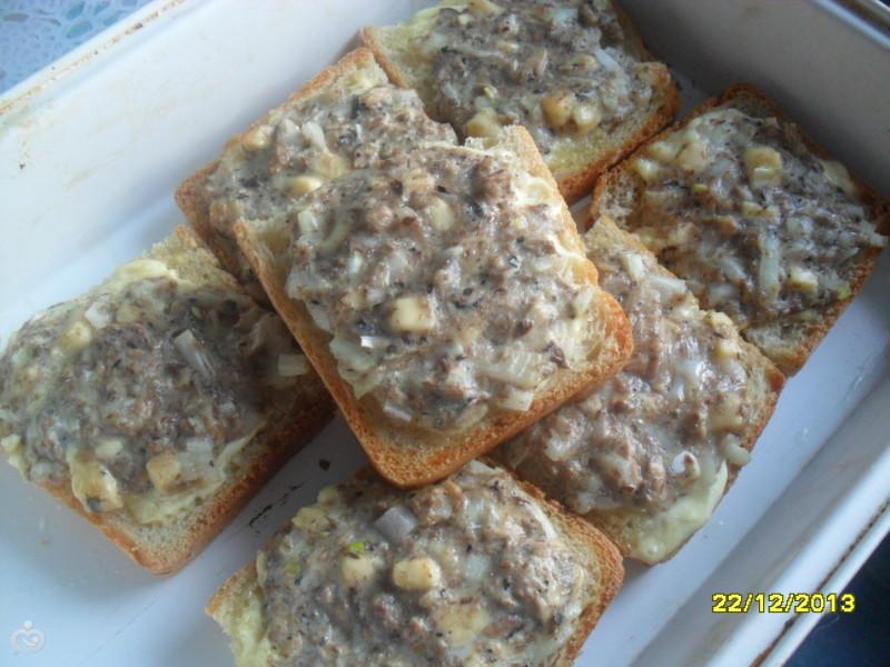 Быстрые рыбные бутерброды в духовке