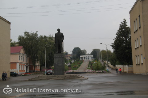 Памятник с семейный Рузаевка Памятник Скала с колотыми гранями Вяземский
