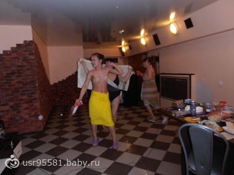 Девчонки отрываются в сауне фото 670-449