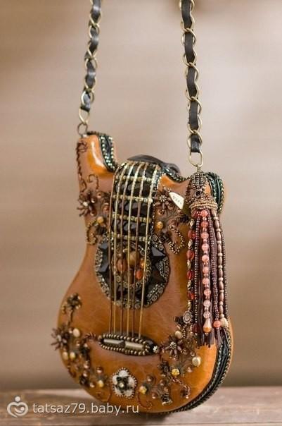 Где в Москве можно купить сумку в виде гитары?