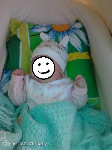 Когда можно класть новорожденного на подушку