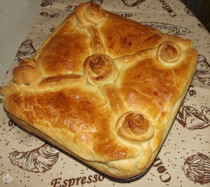 Пирог с грибами, рисом и яйцами