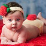 Маленькая Мира очень любит позировать для фото)